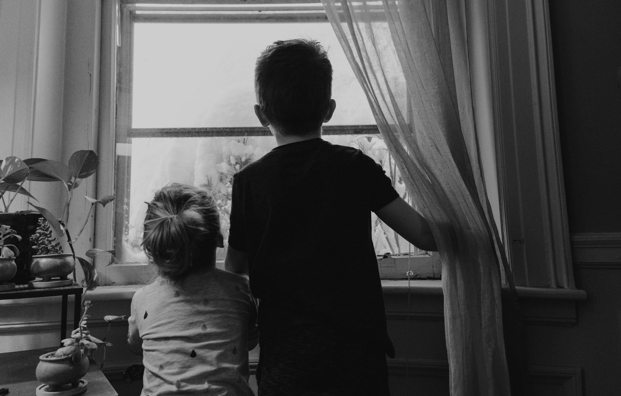Coronavirus Behaviour Change Stay Indoors (B&W) - Brighton Hove Energy Services Cop Blog - Kelly Sikkema - UnSplash